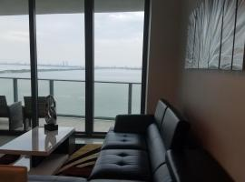 Waterfront Deluxe Apartment with Parking