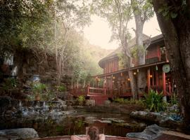 Pristine Lotus Resort (Inle)