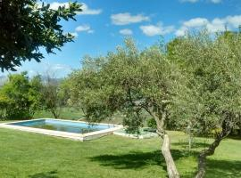 Pool & Parking Holiday Home