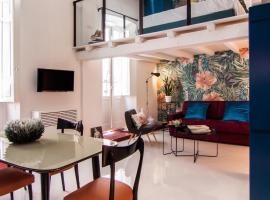 14 Cobalto Apartment
