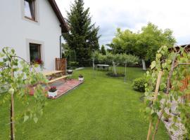 Hostel w ogrodzie