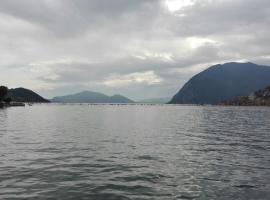 Casa Vacanze sul Lago, Sulzano (Sale Marasino yakınında)