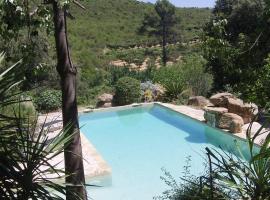 Mas Seguilla, Cistella (Las Escaulas yakınında)
