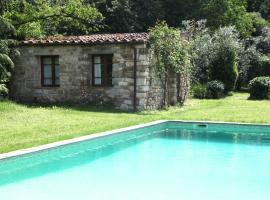 Villa Organi, Vaiano (Fattoria del Mulinaccio yakınında)