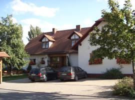 Gasthaus-Pension Hofmann, Oberdachstetten (Marktbergel yakınında)