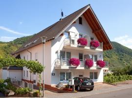 Ferienweingut Klaus Thiesen Gästezimmer und Apartments, Ellenz-Poltersdorf (Bruttig-Fankel yakınında)