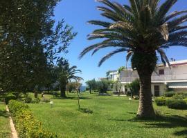Garden house, Геракини (рядом с городом Каливиа Пoлийирoу)
