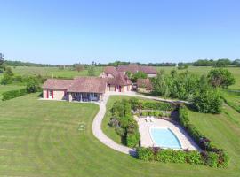 Holiday Home Le Patelin 8P, Laurière (рядом с городом Saint-Médard-d'Excideuil)