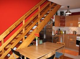 Sunny Two-story Apartment Kyje, Prag (Kyje yakınında)