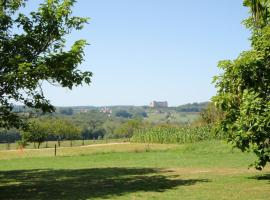 Camping Belle Vue, Boisseuilh (рядом с городом Salagnac)