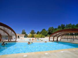 Holiday Home Hameaux des Lacs.2, Monclar-de-Quercy (рядом с городом Genébrières)