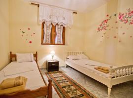 Sweetdreams Guest House, Gjirokastër (Tepelenë yakınında)