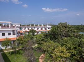Samrith Hotel, Bronze Lake (рядом с регионом Kampong Chhnang Province)