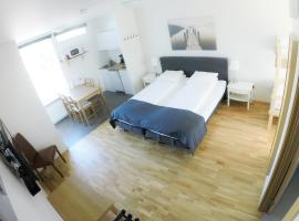 South Central Motel-Apartments, Brautarholt