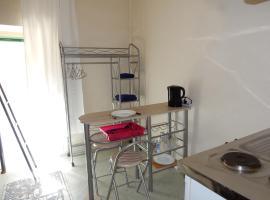 Studio meublé, Шато-Гонтье (рядом с городом Chemazé)