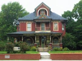 Grand Avenue Bed and Breakfast, Carthage (in de buurt van Mount Vernon)