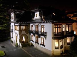 Palacio Arias, Навия
