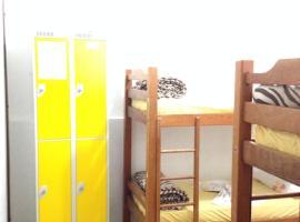 Casa Albergue Hostel
