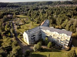 Residence Hotel Les Ducs De Chevreuse, Шеврёз (рядом с городом Saint-Rémy-lès-Chevreuse)
