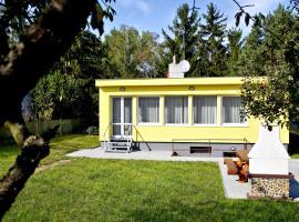 Holiday home Green Park Běchovice I, Prag (Dolní Počernice yakınında)