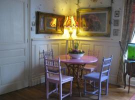 Pear Blossom House, Mur-de-Bretagne
