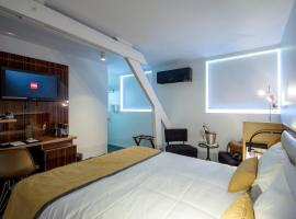 Hotel The Originals Lille Sud Bulles by Forgeron
