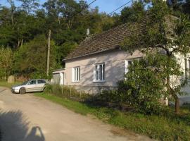 Chalupa na samotě, Hluboké Mašŭvky (Jevišovice yakınında)