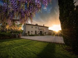 6 Best Bagno Vignoni Hotels, Italy (From $104)