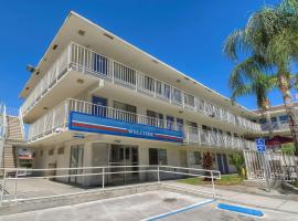 Motel 6 San Bernardino North, Serrano Village