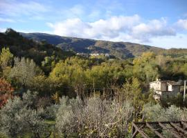Olive Grove Farm, Serramonacesca (Roccamontepiano yakınında)