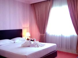 ZEN Rooms near D.I.Panjaitan Tanjung Pinang, Танджунгпинанг (рядом с городом Tenaga)