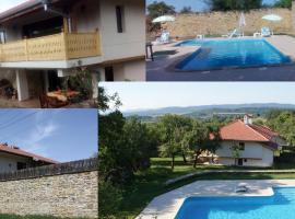 Villa Manoya, Manoya (Natsovtsi yakınında)