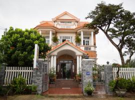 Beautiful Moon Hoi An Villa (Sky House)