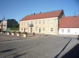 Dom Zaiezdny, Chęciny