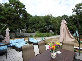 High-End Home with Outdoor Haven, Chatham Port (in de buurt van Chatham)
