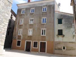 Rooms Piazzetta, Црес