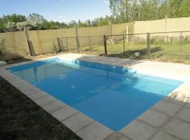 Casa con piscina, San Rafael (Veinticinco de Mayo yakınında)