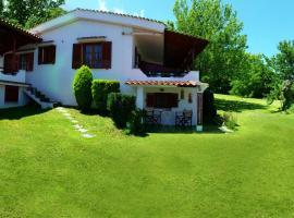 Villa Michalis, Kariotes