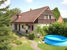 Holiday home in Velky Vrestov 1343, Velký Vřešťov (Velehrádek yakınında)