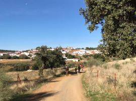 Country house La Siesta, El Alcornocal (El Hoyo yakınında)