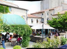 Logis Hostellerie de l'Abbaye, Celles-sur-Belle (рядом с городом Melle)