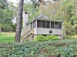 Cozy Lake Wallenpaupack Cottage!, Tafton
