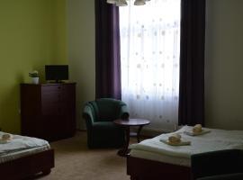 Hotel Dermot, Letovice (Kunštát yakınında)