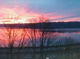 Gorgeous Condo with Water View, Bremerton (in de buurt van Port Orchard)