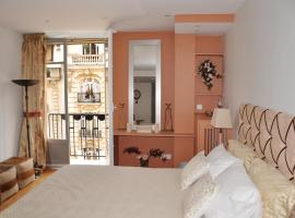 Champs Elysees Executive Apartment