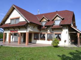 Sóskúti Lovas Élménypark és Panzió, Sóskút (рядом с городом Tárnok)