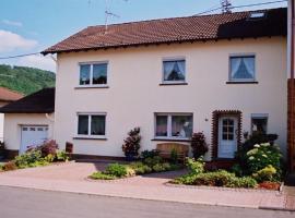 Ferienwohnung Steinebach, Daun (Niederstadtfeld yakınında)