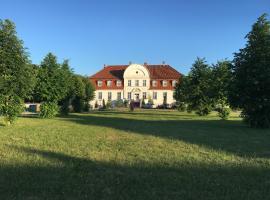 Jagdschloss Lalendorf, Lalendorf (Mamerow yakınında)