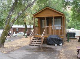 Russian River Camping Resort One-Bedroom Cabin 2