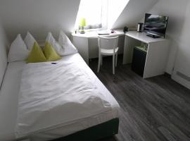 Hotel Deutschherrenhof, Tryras
